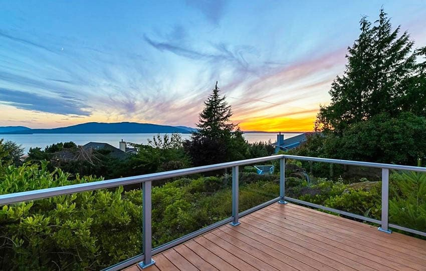 Modern glass deck railing with amazing views