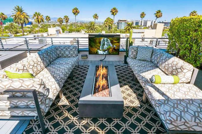 Roof top patio with outdoor tv