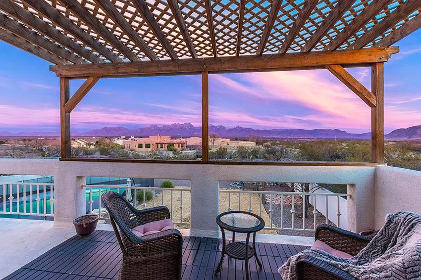 Rooftop deck with lattice pergola
