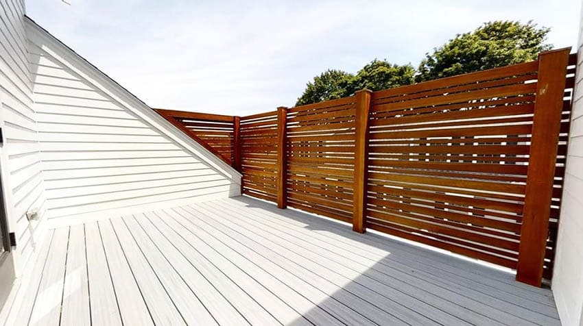 Wood deck privacy fence