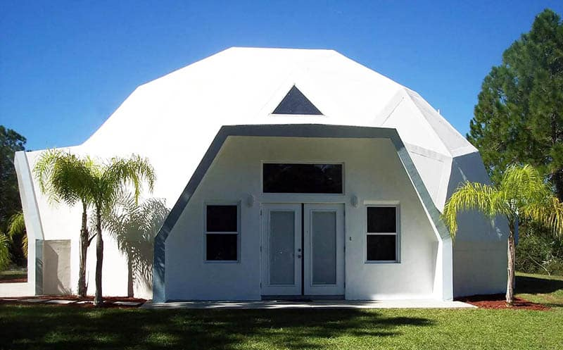 Concrete geodesic dome house