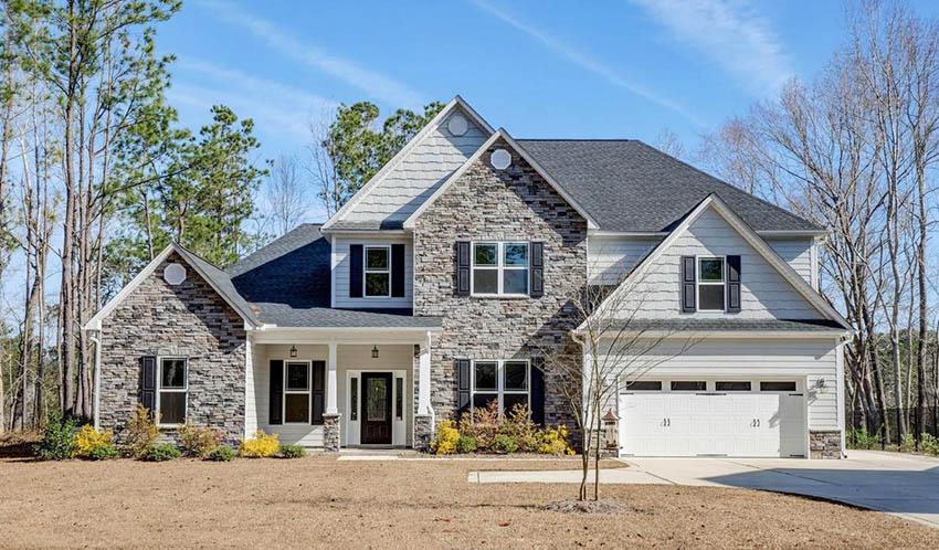 Modern craftsman style house exterior