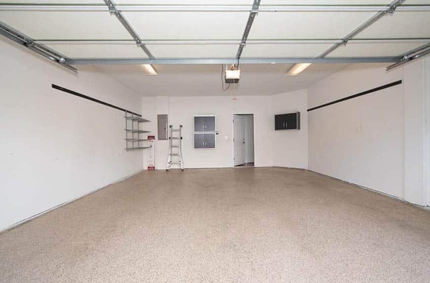 Garage with beige epoxy floor