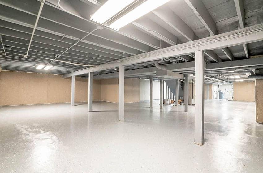 Large basement with epoxy resin floor coating