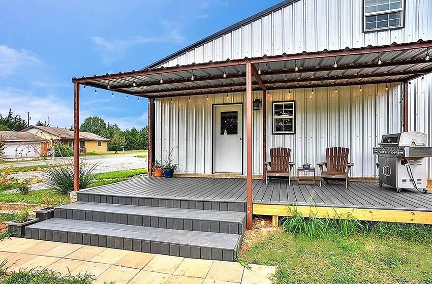 Metal barndominium kit with front porch