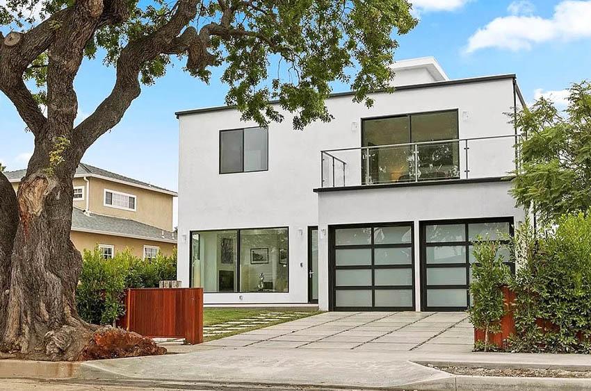 Modern stucco home with balcony