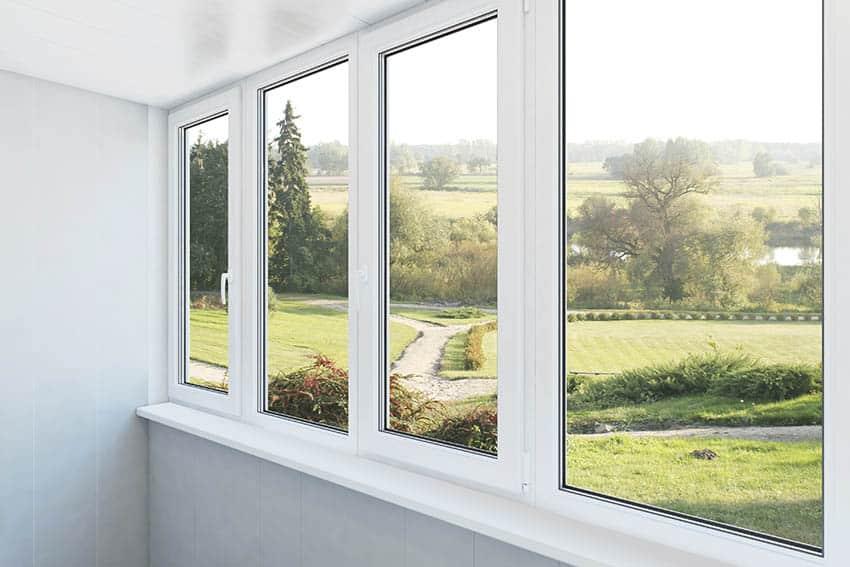 Vinyl vs fiberglass windows