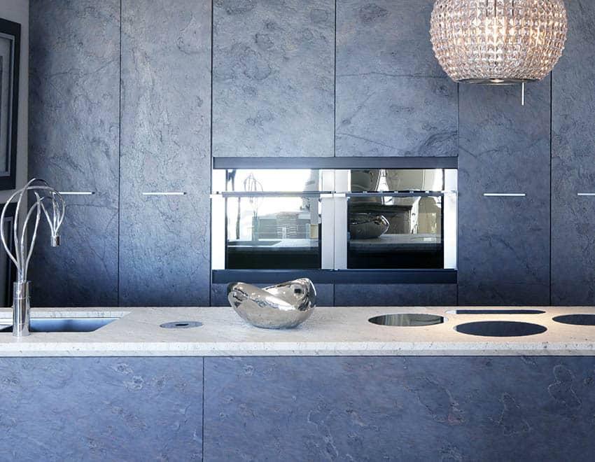 Kitchen with sintered stone