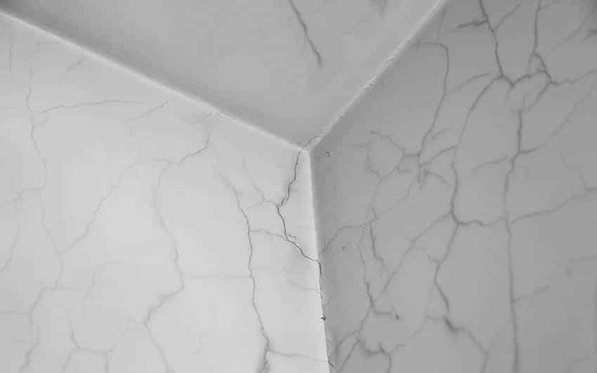 Ceiling cracks in living room