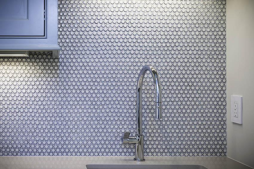 Kitchen with penny tile backsplash