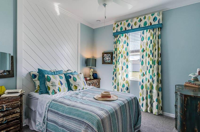 Girls bedroom with shiplap headboard