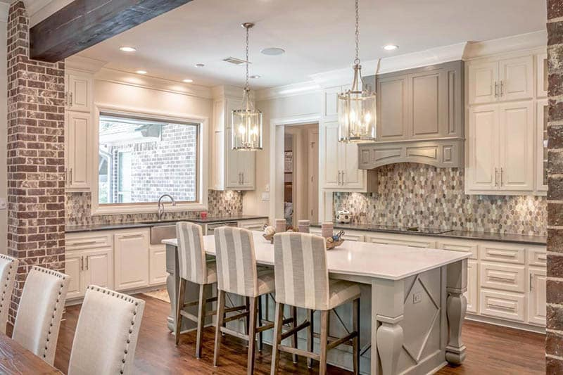 Farmhouse kitchen with island and l-shape layout design