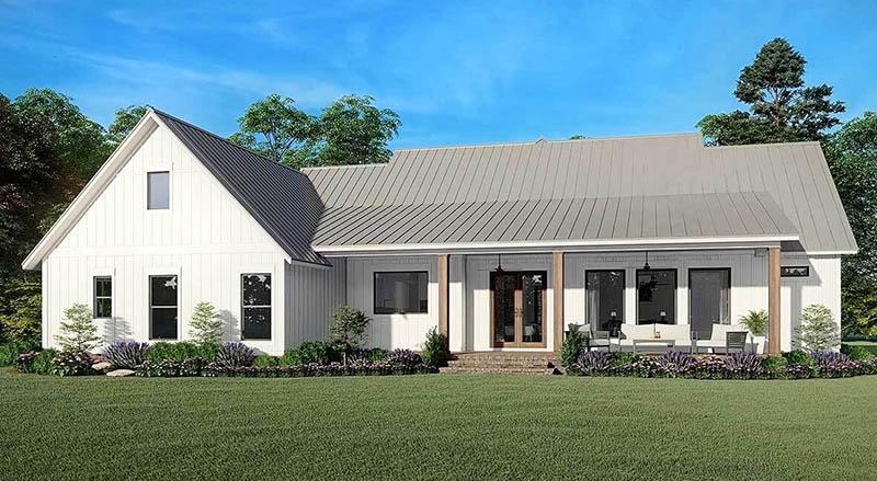 Modern farmhouse exterior backyard