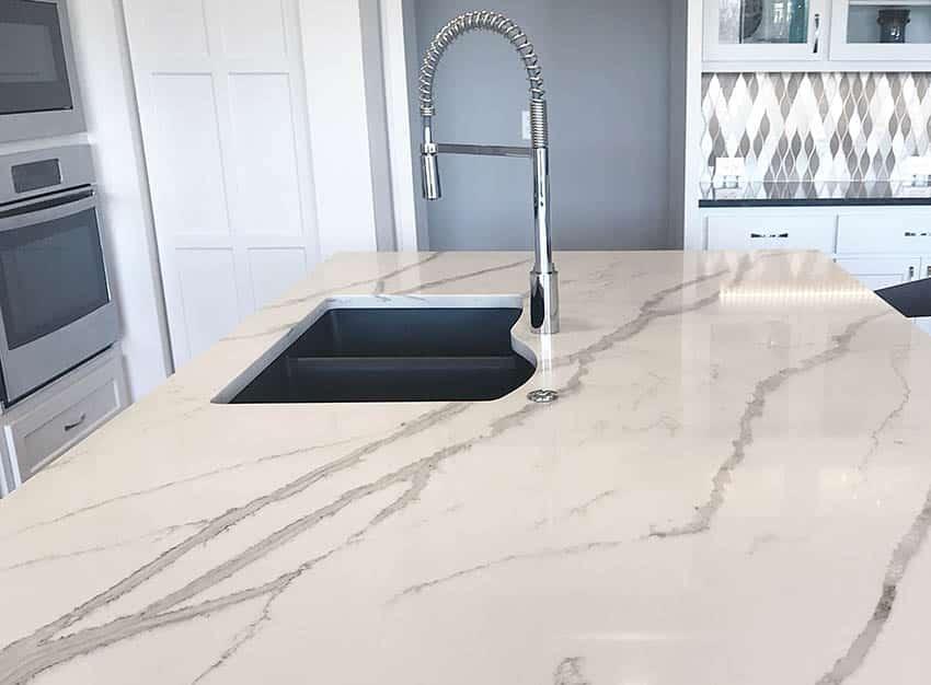 Quartz kitchen island countertops