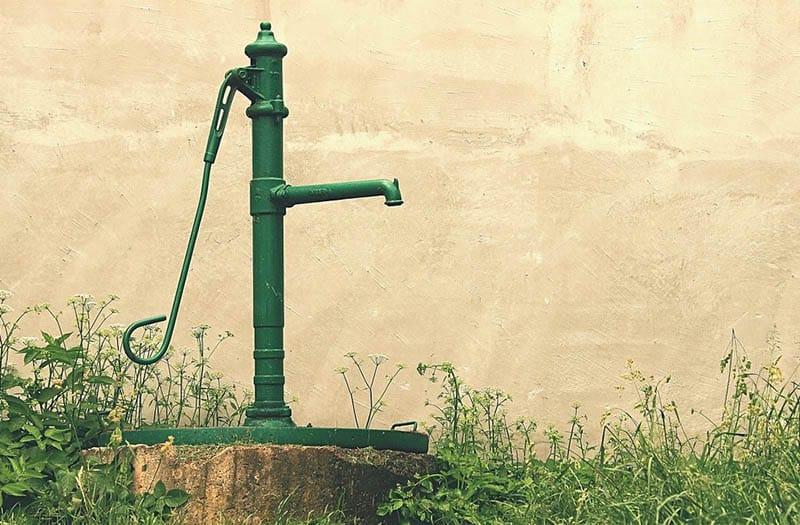 Outdoor yard hydrant