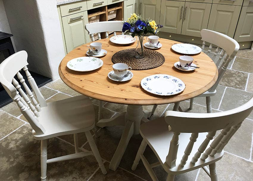 Round pine wood dining table