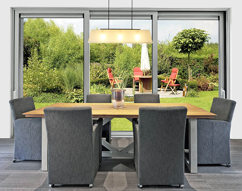 Dining room with sliding doors to patio
