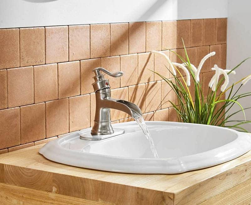 Nickel waterfall faucet