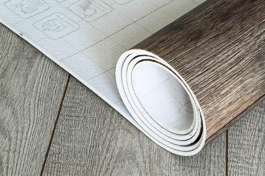 Roll of vinyl sheet flooring