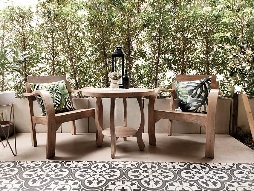 spanish style patio with cement tiles