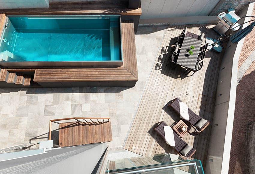 Travertine pavers patio around swimming pool