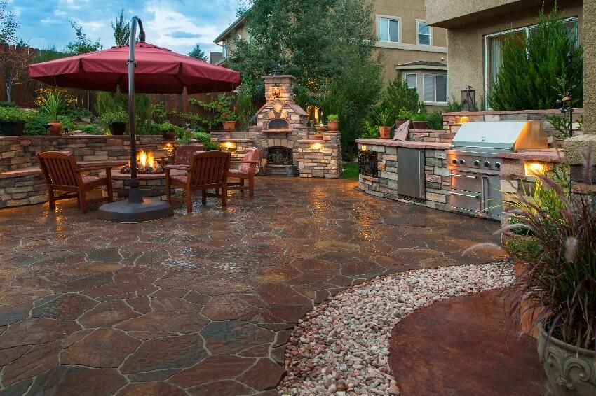 backyard flagstone paver patio