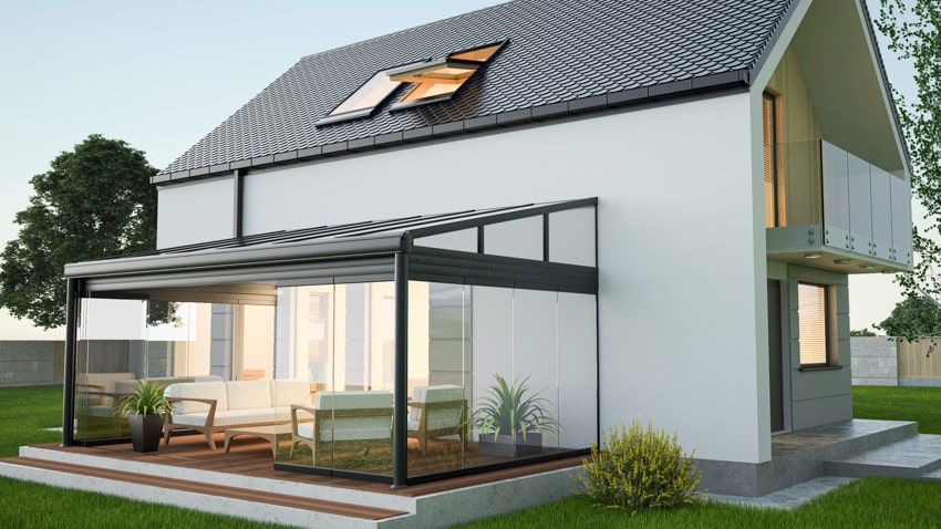 Covered patio with glass folding doors