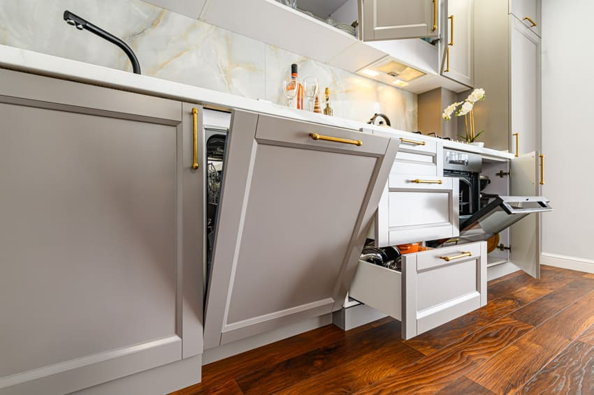 Dishwasher cabinet and kitchen drawers