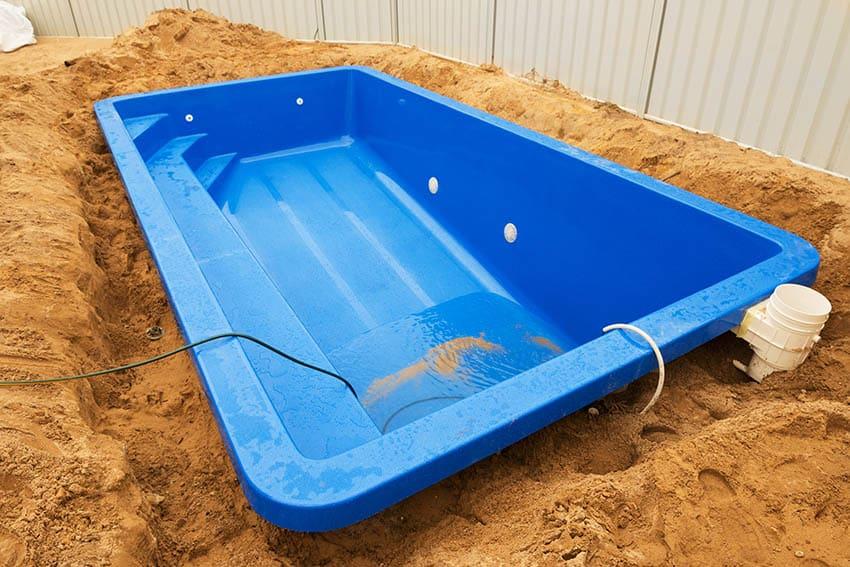 Fiberglass plunge pool installation