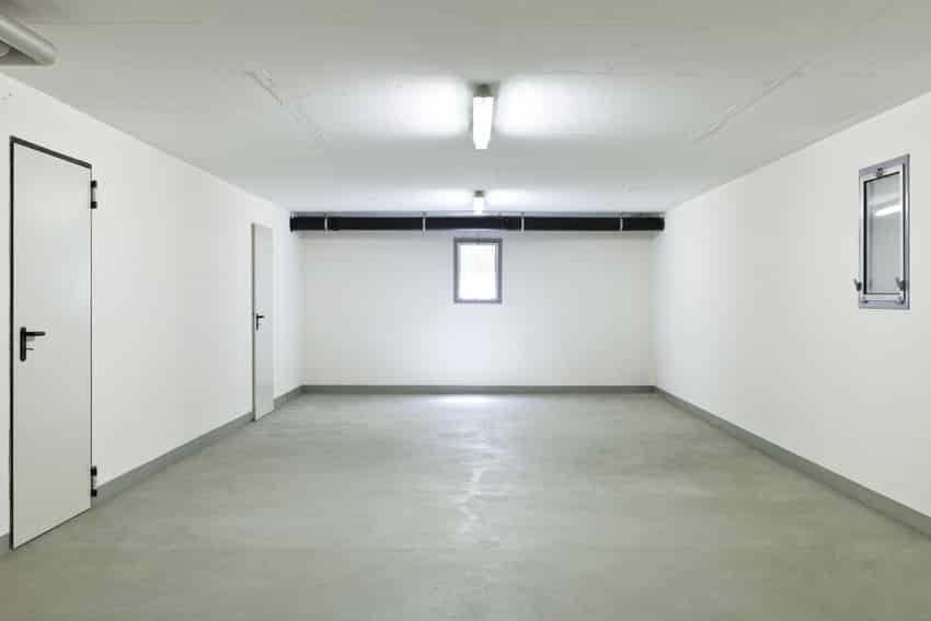 Garage basement with wahoo walls