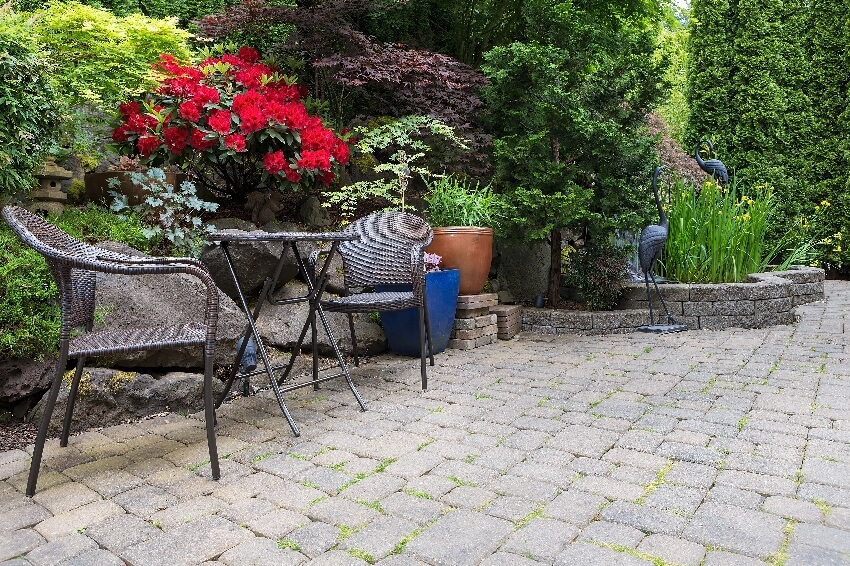 Garden stone paver flooring