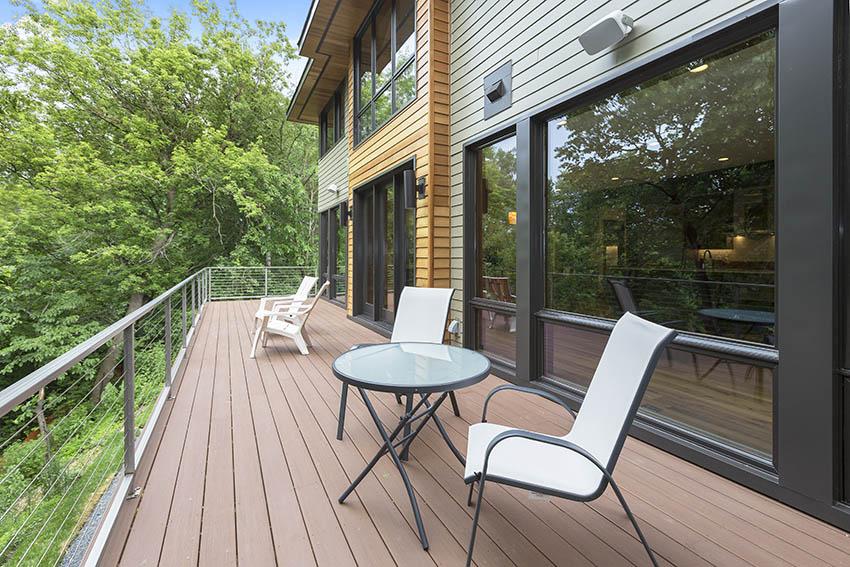 Modern composite deck with aluminum railing