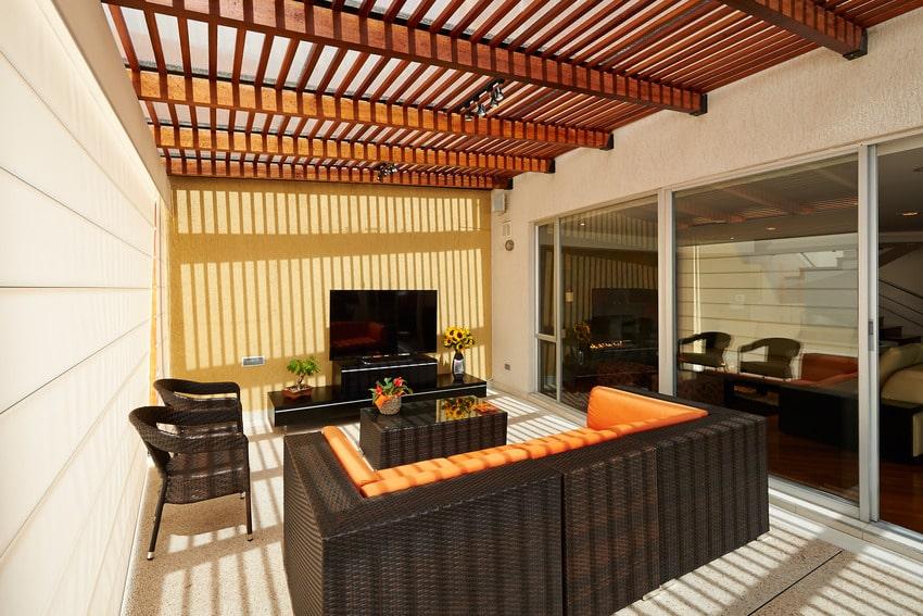 Patio with pergola shade
