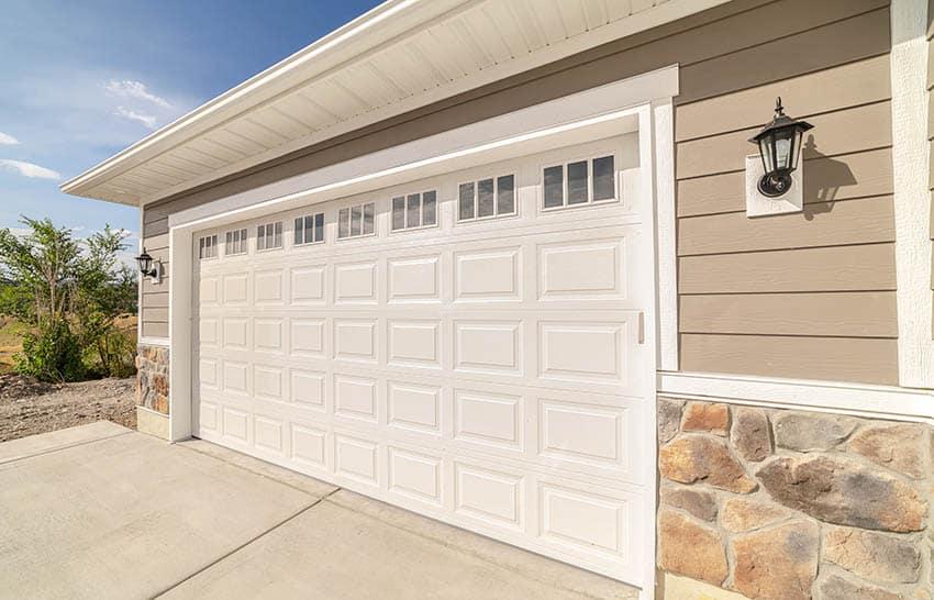 Raised panel garage door