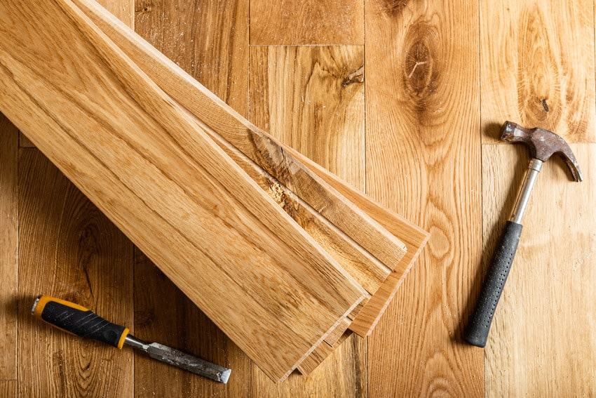 Essential tools to replace flooring