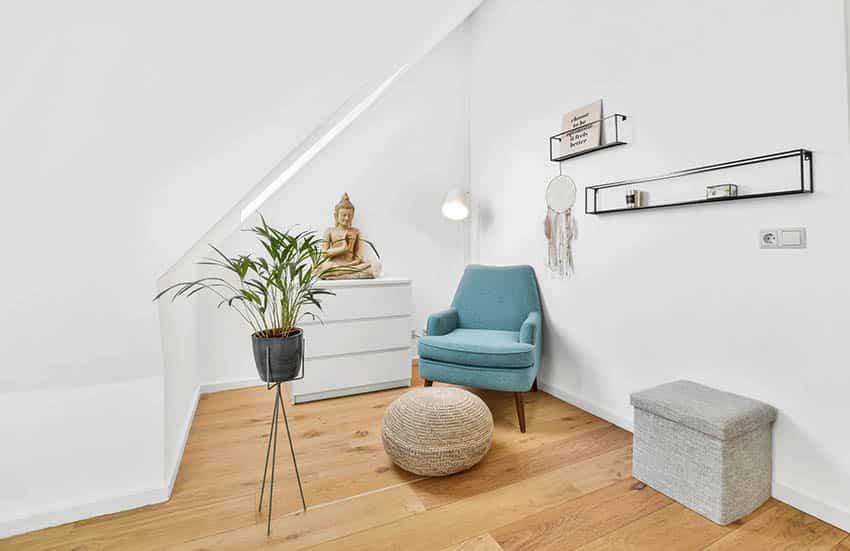 Zen corner with douglas fir wood flooring