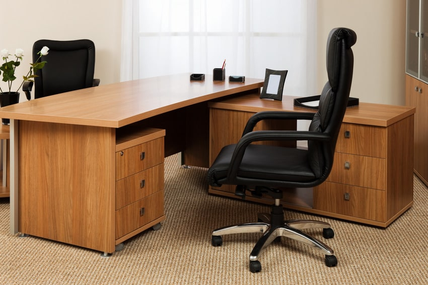 Cozy black fixed arm office chair