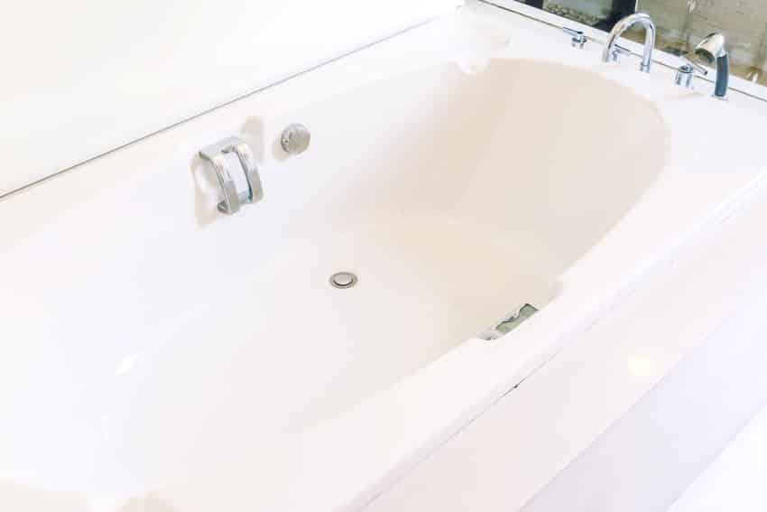fiberglass bathtub