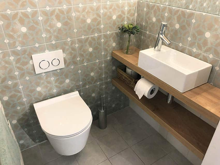 Floating toilet with plastic seat