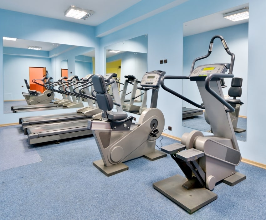 home gym with gym equipments
