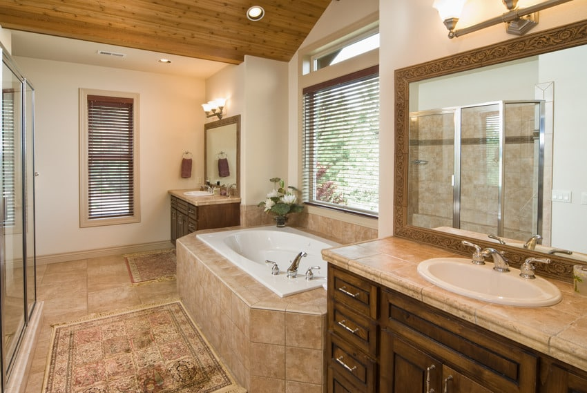 Modern bathroom with sunken bathtub