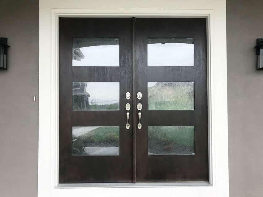 Rain glass on double hinged door
