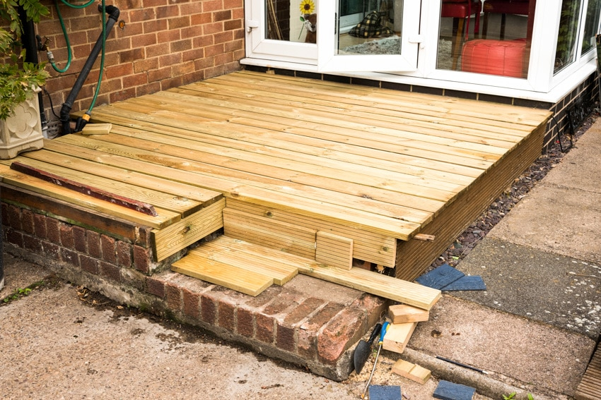 Small deck idea for homes