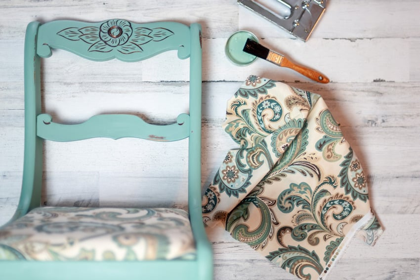 Vintage chair makeover using chalk paint