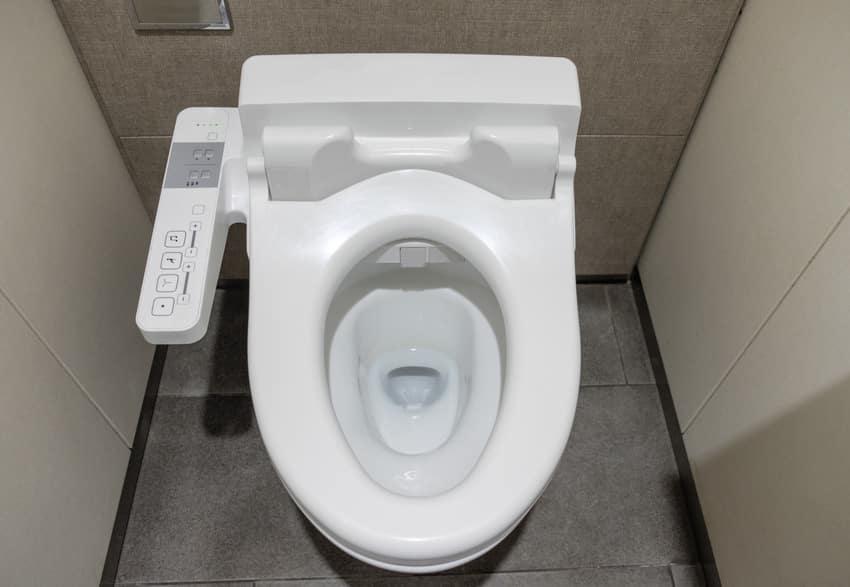 White clean innovation flush toilet