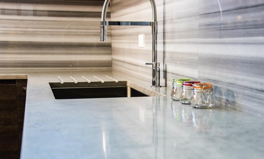 Classy backsplash countertop sink faucet kitchen