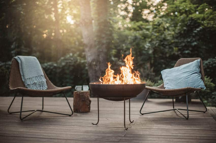 Fire pit bowl wood patio chairs