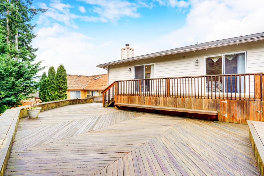 Vertical wood plank deck house exterior
