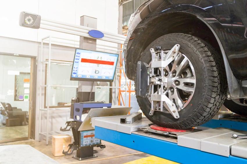 Wheel calibration car diagnostics garage