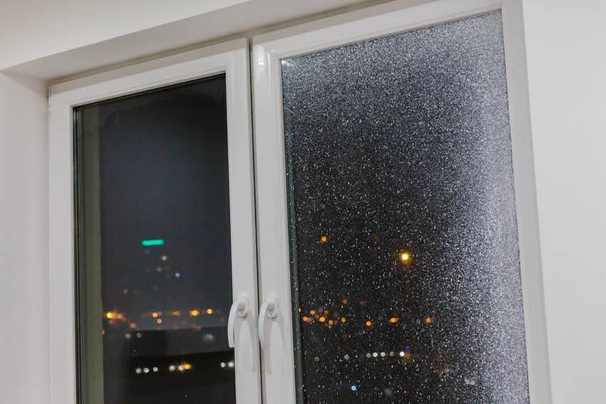 Window glass spray paint clean
